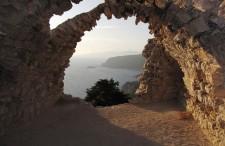 Jedziecie na wyspę Rodos? Zobaczcie największe atrakcje i zabytki, które warto zobaczyć [+Mapa]