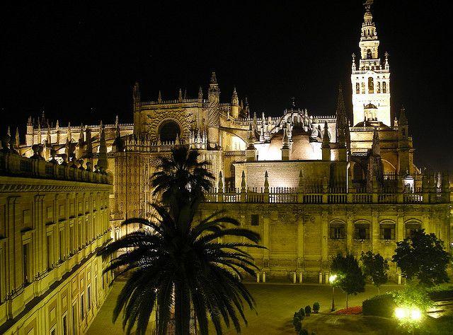 katedra sewilla nocą