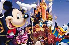Świetna promocja! Bilety do Disneylandu ponad 40 procent taniej! Dobre ceny lotów na Mikołajki!