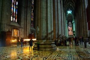 katedra mediolan wnętrze