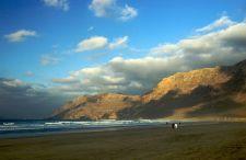 """Lecimy na Wyspy Kanaryjskie. Najmniej znana, a zachwycająco piękna """"wyspa wulkanów"""" – Lanzarote"""