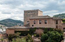 Cuda architektury #10 – Alhambra, czyli Czerwony Zamek wybudowany przez Maurów