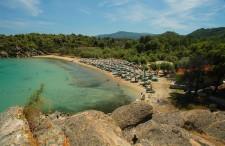Półwysep Chalcydycki: 10 miejsc, które koniecznie musisz zobaczyć na słynnych greckich palcach [+MAPA]