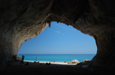 Oto 10 niesamowitych miejsc, dla których warto odwiedzić Sardynię [+MAPA]