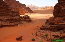 Dlaczego pustynia Wadi Rum jest najpiękniejszym miejscem na świecie? [DUŻE ZDJĘCIA]