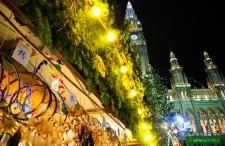Adwentowe jarmarki na weekend: Wiedeń, Bratysława, Praga od 60 zł w dwie strony
