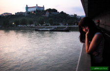Bratysławą po nocy teraz i 4 lata temu. No i pierwsza noc na łodzi