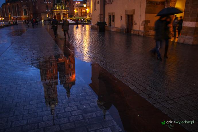 Kraków rynek nocą