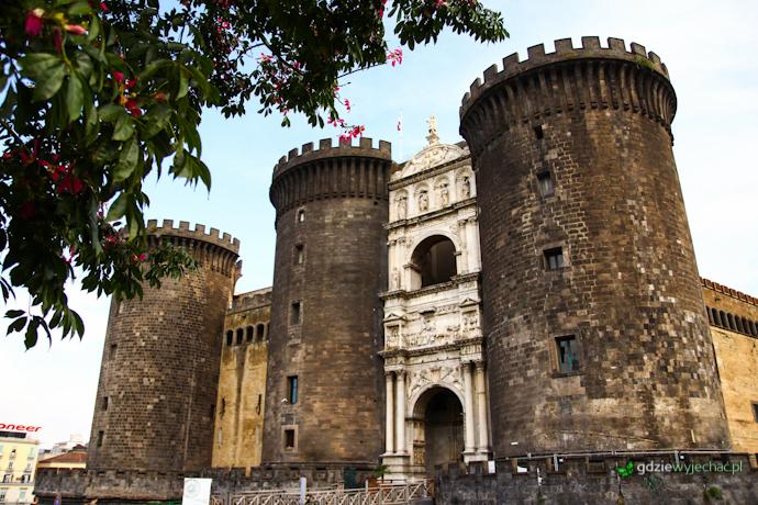 NEapol Castel Nuovo