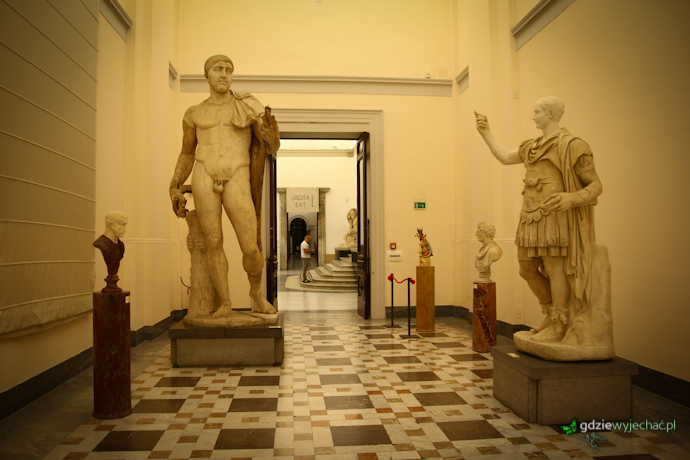 herkules muzeum neapol