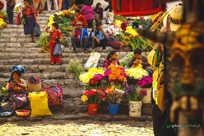 Tradycyjny targ w Chichicastenango