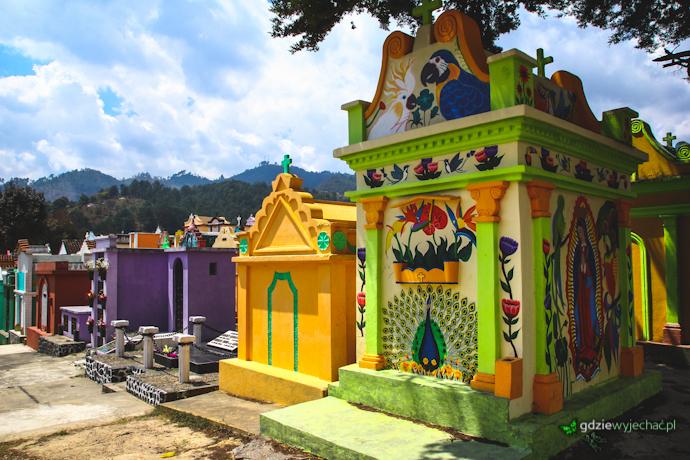 kolorowy cmentarz chichi