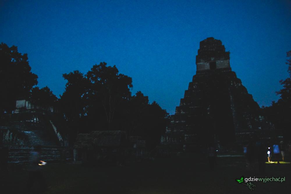 Tikal gwatemala noc night