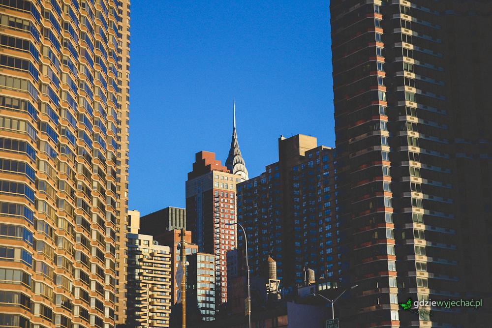 W Nowym Jorku zawsze warto wypatrywać kadrów, zadzierając głowę do góry