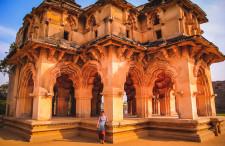 Odwiedź dwa kontynenty w jednej podróży – Zjednoczone Emiraty Arabskie, Indie i Tajlandia za jedyne 1614 zł z Katowic