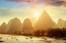 Przegląd ciekawych oraz niedrogich kierunków do Azji – kto oferuje najlepsze loty, dokąd oraz za ile