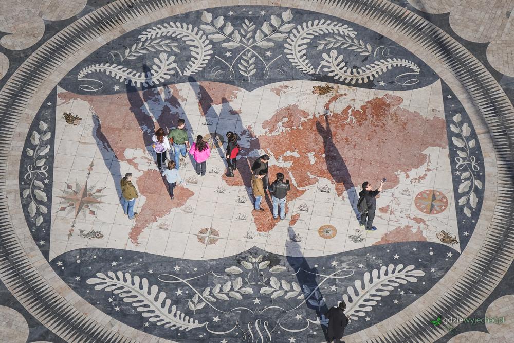 """Mozaika pod Pomnikiem Odkrywców. Kolejny lizboński """"klasyk"""""""