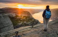 Symbol Norwegii inaczej. Nocna wspinaczka i wschód słońca na Preikestolen